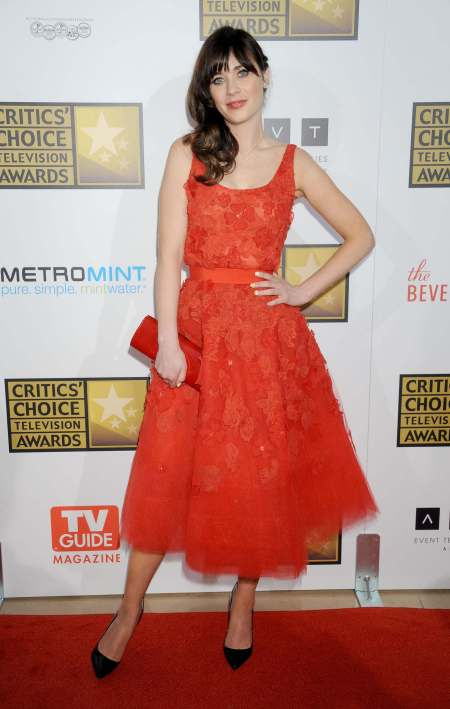 Zooey In A Beautiful Red LAce Dress At The The Critics' Choice Television Awards -StyleChi