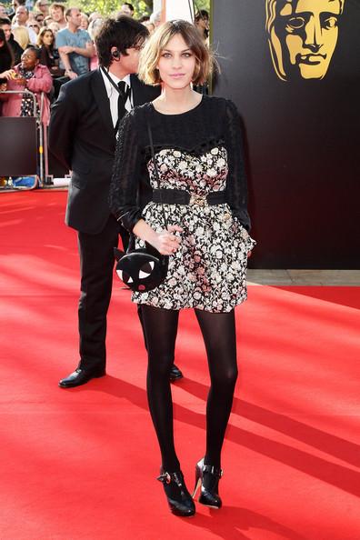 Alexa Chung Cat Bag Red Carpet StyleChi