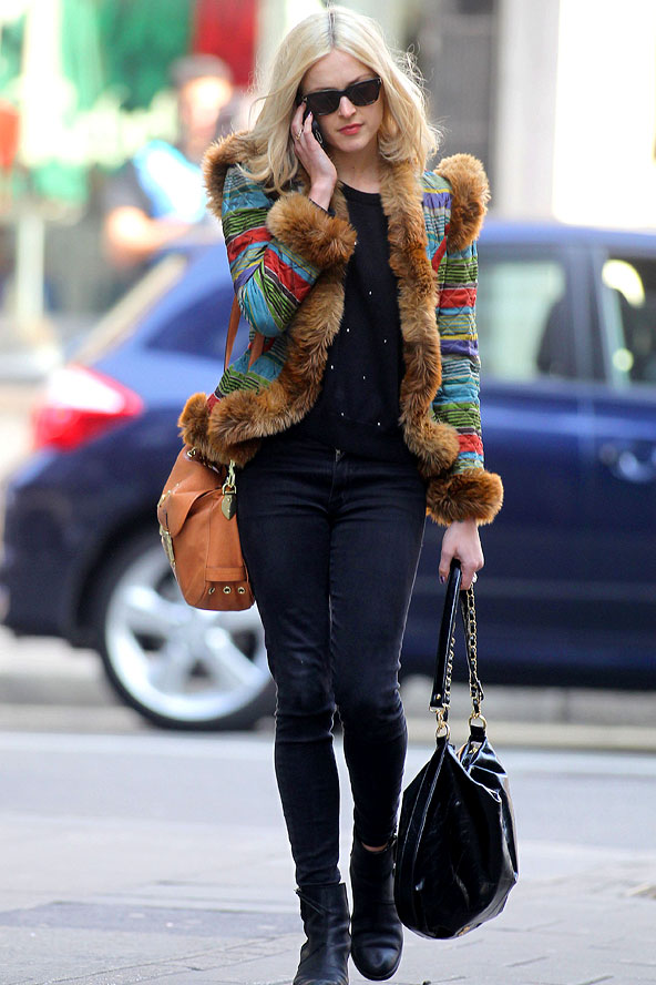76b58fd96493d5 Fearne Cotton Graphic Print Fur Jacket Black Boots StyleChi