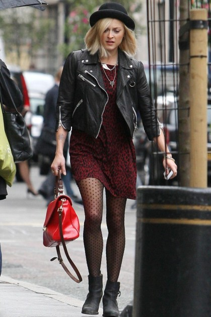 Fearne Cotton Hat Burgungy Leopard Dress Dotted Tights StyleChi