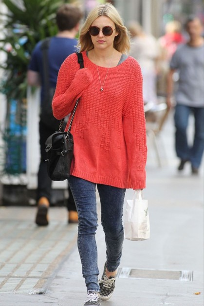 Fearne Cotton Oversized Jumper Acid Wash Heans Vans Plimsoles StyleChi