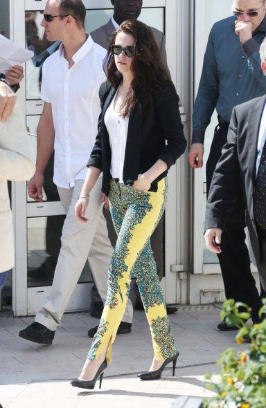 Kristen Stewart Yellow Jeans Black Jacket  StyleChi