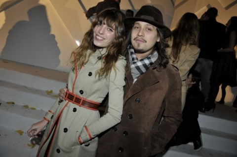 Lou Doillon Burberry Trench Coat StyleChi