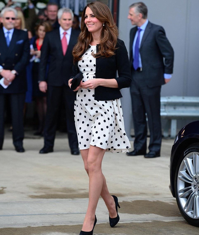 Kate middleton style stylechi kate middleton fashion style clothes baby bump polka dot maternity dress ombrellifo Gallery