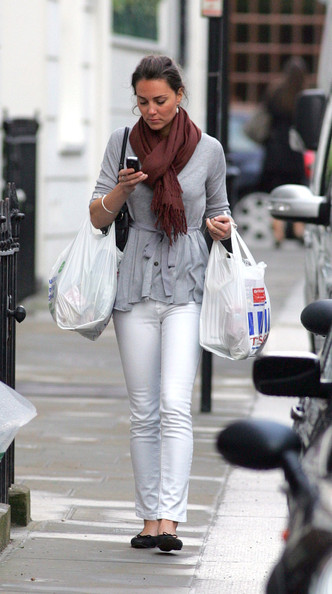 Kate Middleton White Skinny Jeans Shopping StyleChi