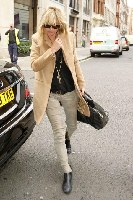 Kate Moss Beige Coat StyleChi
