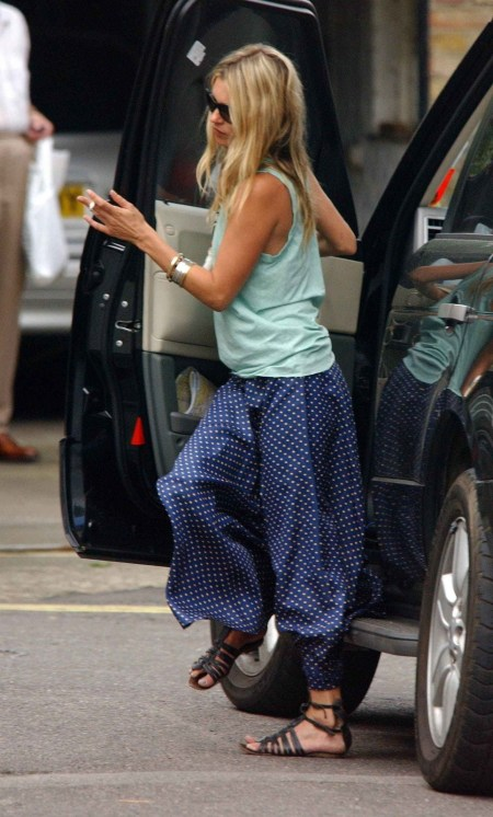 Kate Moss Blue Polka Dot Trousers Sandals StyleChi