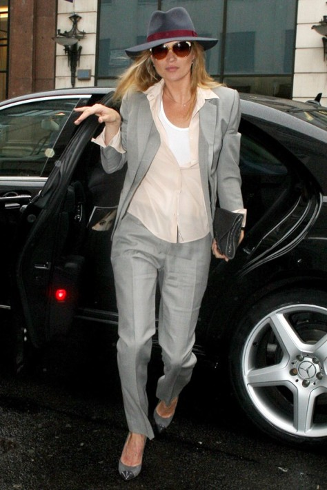 Kate Moss Grey Suit And Hat StyleChi
