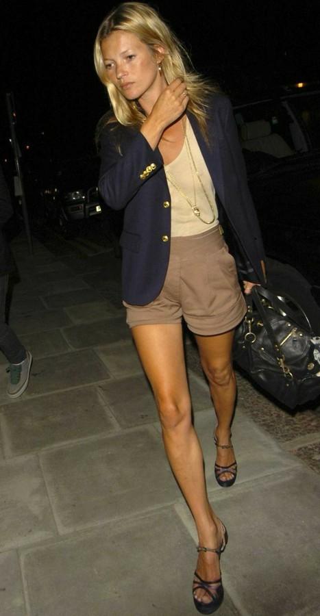 Kate Moss Navy Blue Blazer Beige Shorts StyleChi