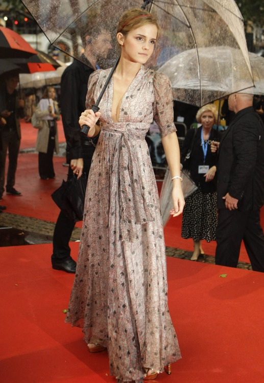 Emma Watson Maxi Dress Plunge Neck Red Carpet Umbrella StyleChi