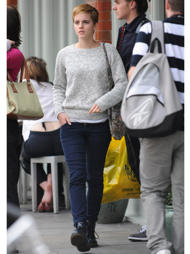Emma Watson Street Style Casual Marl Grey Jumper Jeans Lace Up Black Boots