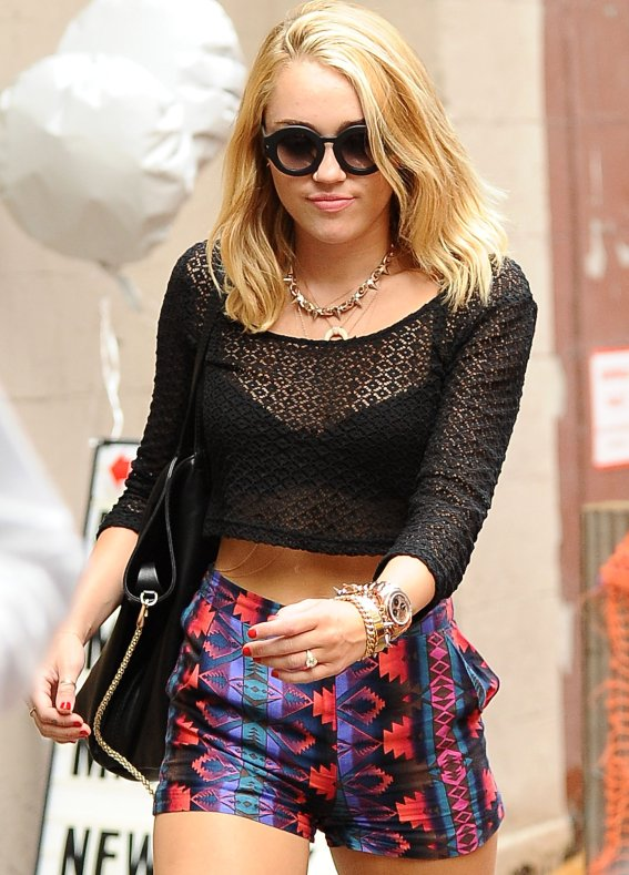 Miley Cyrus 2012 Round Sunglasses Aztec Shorts Black Crop Top StyleChi