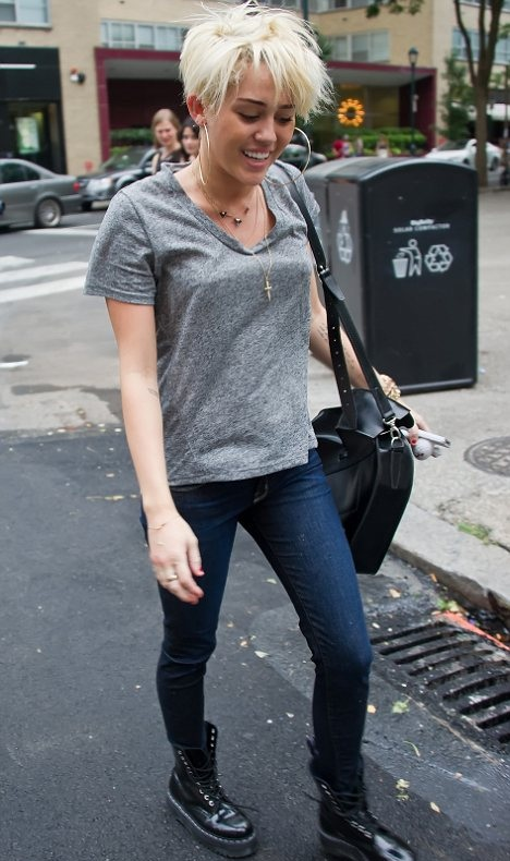 Miley Cyrus Black Lace Up Boots Grey T-Shirt StyleChi