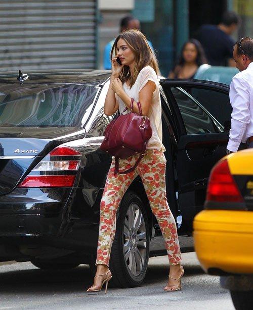Miranda Kerr Louis Vuitton Floral Trousers Heels StyleChi