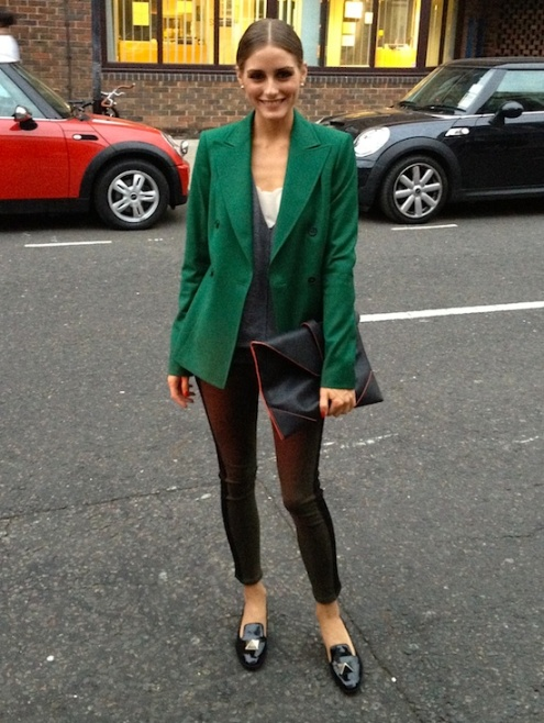 Olivia Palermo Green Coat Black Patent Slippers And Clutch StyleChi