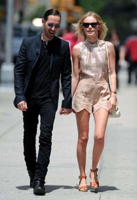Kate Bosworth StyleChi Sleeveless Shirt Nude Scallop Shorts Brown Sandals Sunglasses Boyfriend
