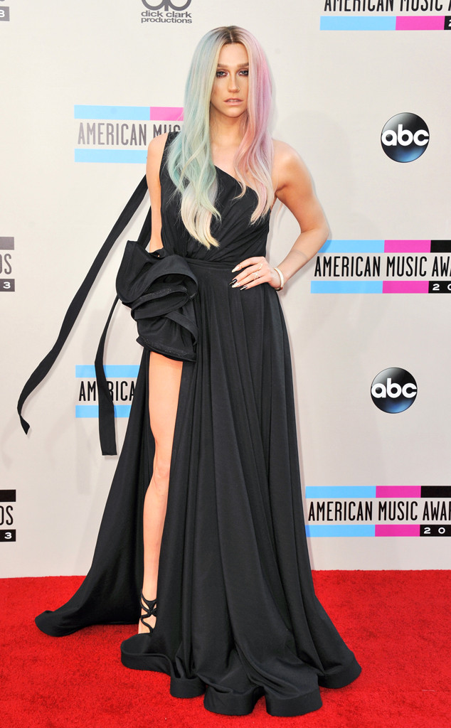 Kesha 2013 AMA American Music Awards AMAs Black Split Dress Pink Blue Hair