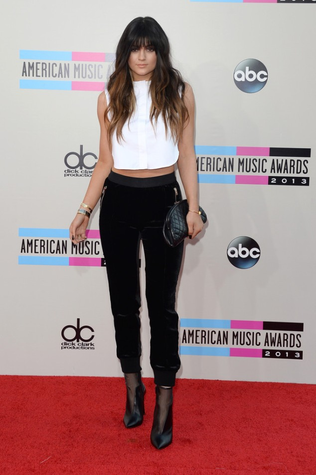 Kylie-Jenner-in-Maiyet-Giambattista-Valli-2013-American-Music-Awards-AMAs