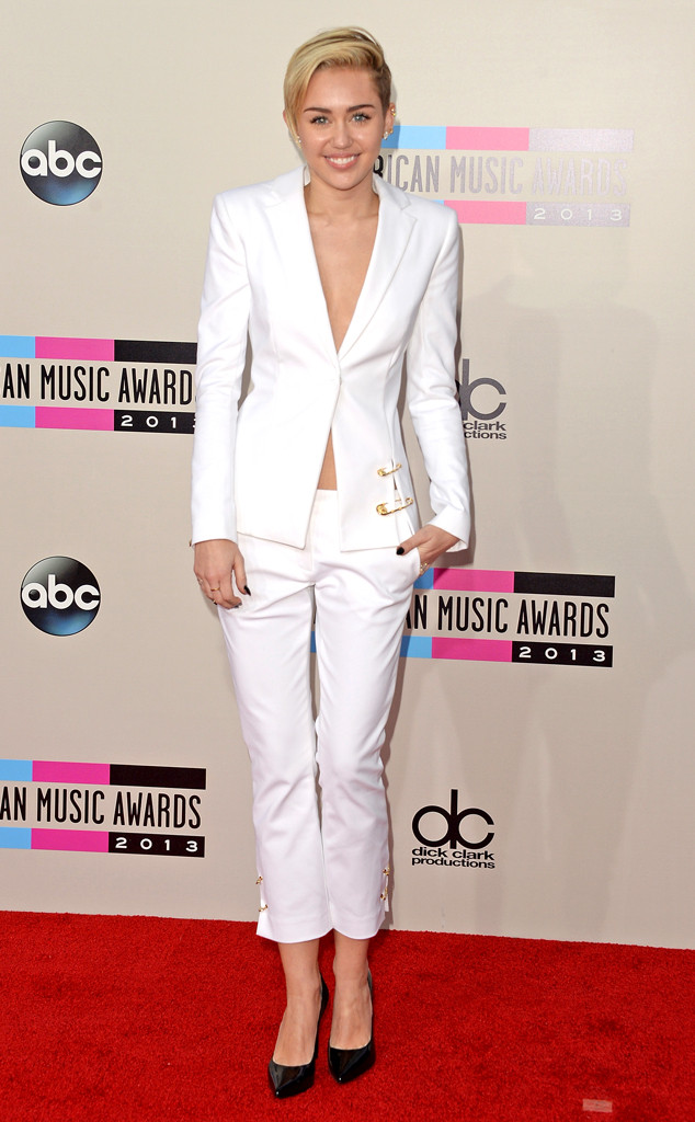 Miley Cyrus 2013 AMA American Music Awards AMAs White Suit