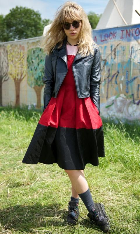 Suki Waterhouse Kate Spade New York Colour Block Pink Red Black Dress Leather Jacket House of Holland sunglasses