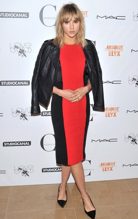 Suki Waterhouse StyleChi Black Leather Jacket Red Black Colour Block Midi Dress Pointed Court Shoes