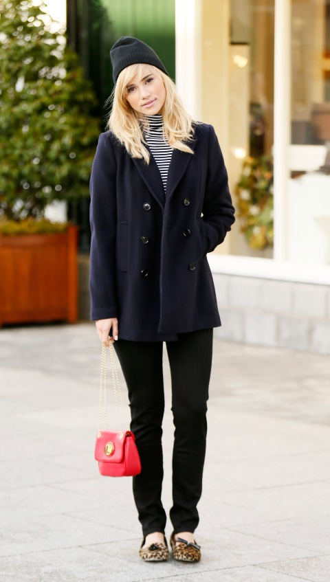 suki-waterhouse-stylechi-kildare-village-black-beanie-jeans-leopard-pumps-red-chain-bag-striped-polo-neck-navy-double-breasted-coat