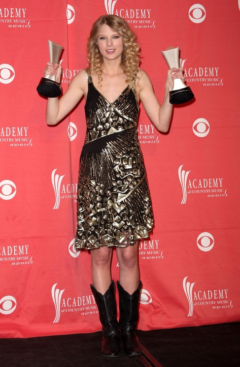 44th Annual Academy Of Country Music Awards Taylor Swift Style Young Cowboy Boots