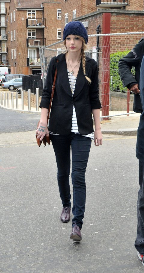 Taylor Swift StyleChi Cable Knit Navy Beanie Black Blazer Striped Top Jeans Brogues