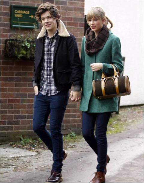 Taylor Swift StyleChi Green Coat Brown Bowling Bag Skinny Jeans Scarf Harry Styles Holding Hands