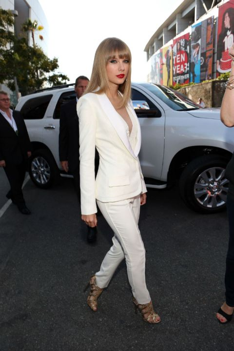 Taylor Swift StyleChi VMAs 2013 White Suit