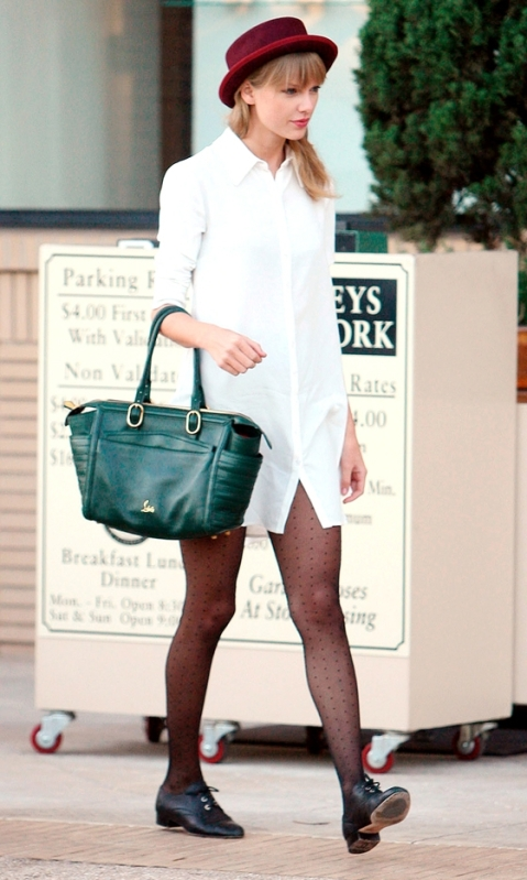 Taylor Swift StyleChi White Shirt Dress Dotted Tights Green Tote Burgundy Hat Black Brogues