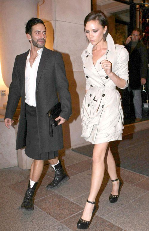 Victoria-Beckham-and-Marc-Jacobs-Paris-Dinner-Trench Coat StyleChi