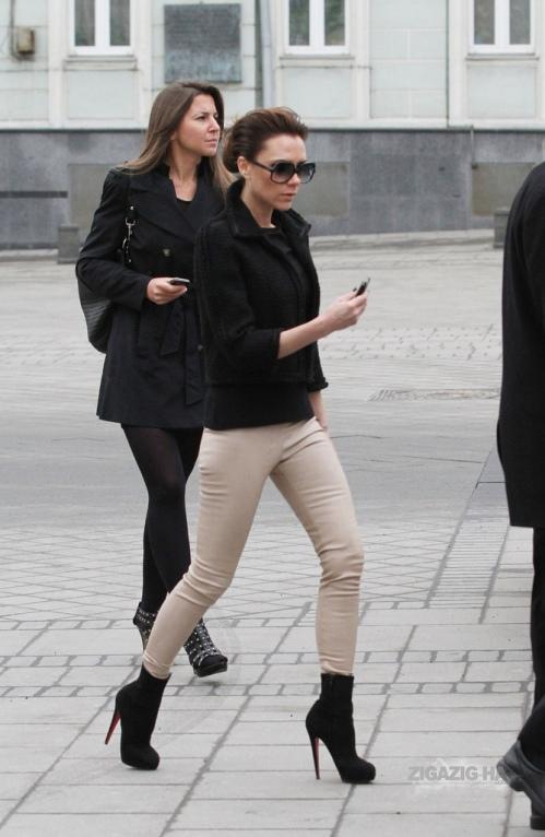 Victoria Beckham StyleChi Beige Skinnies Black Textured Jacket Suede Boots Sunglasses