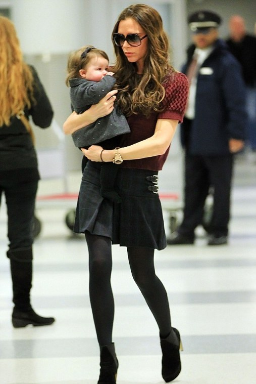 VICTORIA BECKHAM AND BABY HARPER ARRIVE AT JFK AIRPORT IN NYC