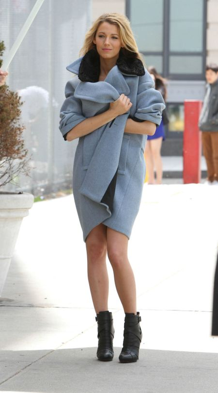 Blake Lively StyleChi Blue Coat Black Fur Collar Ankle Boots