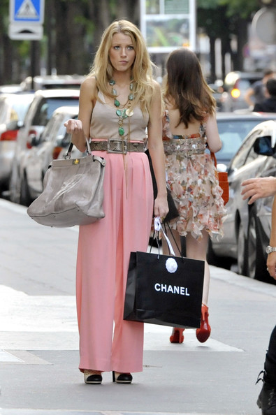 Blake Lively StyleChi Snake Belt Pink High Waist Wide Trousers Beige Tank Top Statement Necklace