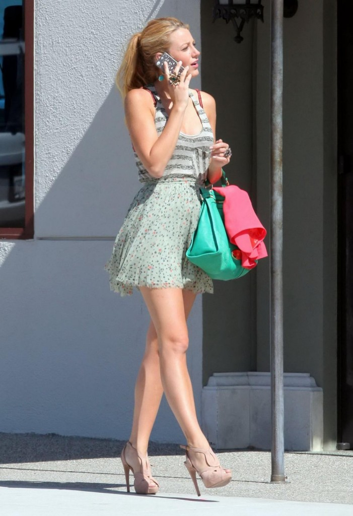 Blake Lively Has The Wow Factor Stylechi