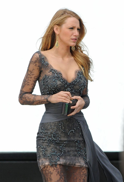 Blake Lively Zuhair Murad 2010 V-Neck Deep Plunge Long Sleeve Trail Lace Embellished Taupe Gown Statement Earrings
