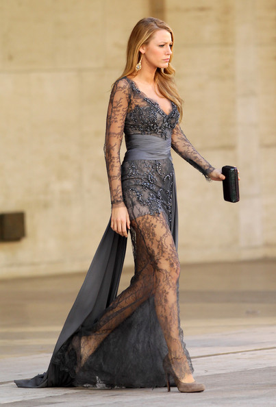 Blake Lively Zuhair Murad 2010 V-Neck Deep Plunge Long Sleeve Trail Lace Embellished Taupe Gown