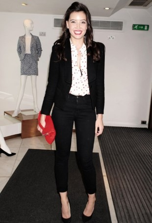 Daisy Lowe StyleChi Black Blazer Cropped Jeans Pointed Toe Heels White Polka Dot Blouse Red Clutch Bag