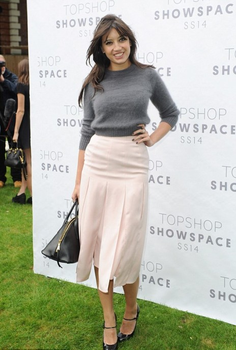 Daisy Lowe StyleChi Grey Cropped Sweater Pink High Waist Multi Split Skirt Baby Pink Mary Jane Heels Black Bag
