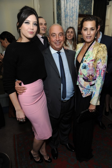 Daisy Lowe StyleChi Sir Phillip Green and Yasmin Le Bon at the Harper's Bazaar LFW closing party Black Cropped Knitted Sweater Pink High Waist Pencil Skirt Mary Jane Heels