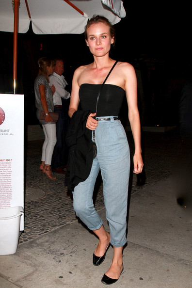 Diane Kruger StyleChi Strapless Black Bustier Top Denim High Waisted Cropped Trousers Slip On Ballerina SHoes Cross Body Bag Casual Style
