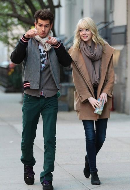 Emma Stone StyleChi Blonde Andrew Garfield Beige Boyfriend Coat Taupe Scarf Dark Denim Skinny Jeans Black Ankle Boots