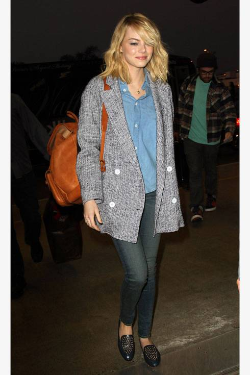 Emma Stone StyleChi Blonde Brown Backpack Marl Grey Oversize Boyfriend Coat Blue Denim Shirt Dark Blue Denim Skinny Jeans Blue Leather Studded Slipper Shoes Airport Casual Style