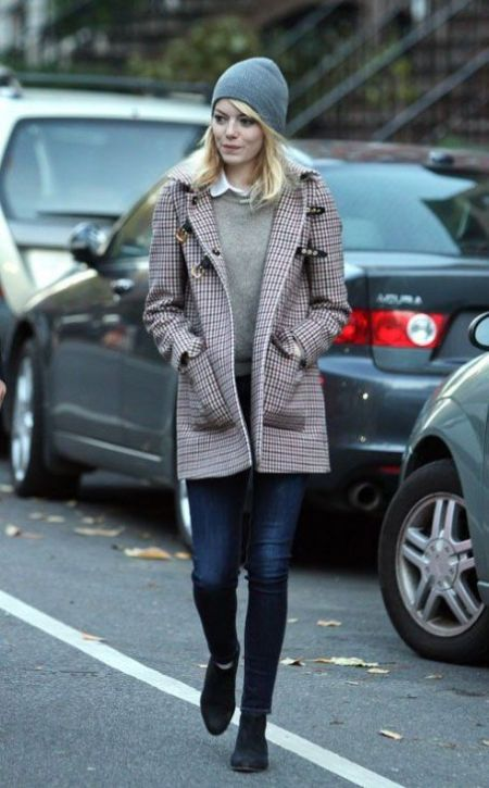 Emma Stone StyleChi Blonde Grey Beanie Check Tartan Coat Dark Denim Skinny Jeans Black Suede Ankle Boots Oatmeal Sweater White Shirt