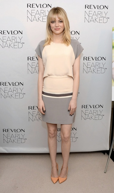 Emma Stone StyleChi Danial Vosovic Pale Pink Grey Short Sleeve Dress Blonde Rupert Sanderson Orange Pointed Heels