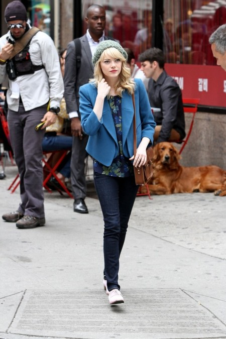 Emma Stone StyleChi Dark Denim Skinny Jeans Cobalt Blue Blazer Navy Green Floral Top Green Woolly Hat Cream Brogues Brown Satchel