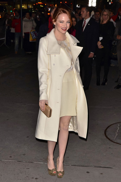 Emma Stone StyleChi red Hair Red Lip Cream Midi Oversized Coat Cream Dress Gold Glitter Platform Peep Toe Heels Gold Clucth