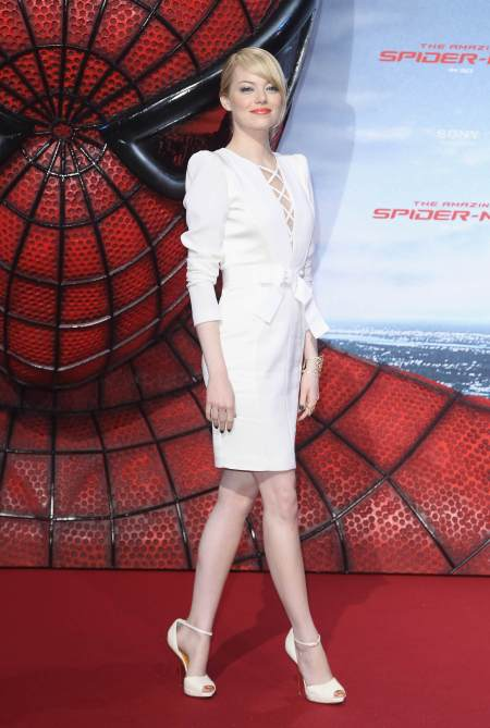 emma-stone-stylechi-white-dress-spiderman-premiere-red-carpet-style-blonde